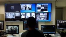 A central de monitoramento por circuito interno de televisão fechada da Coseg/UFBA, que foi modernizada recentemente